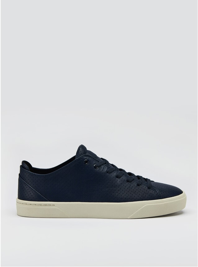1A Marineblau Perforiert Sneakers