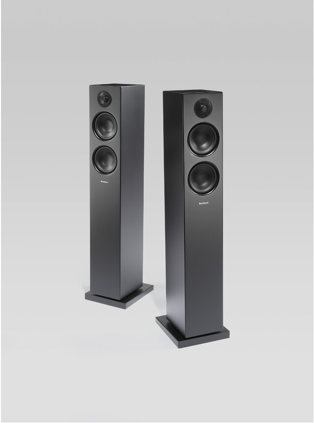 Black Addon T20 Wireless Speakers