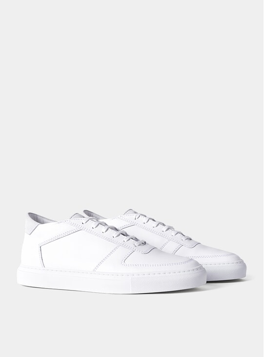 White Quarta Sneakers