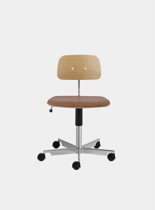 Ultra Brandy Leather / Oak Kevi 2533 Swivel Chair