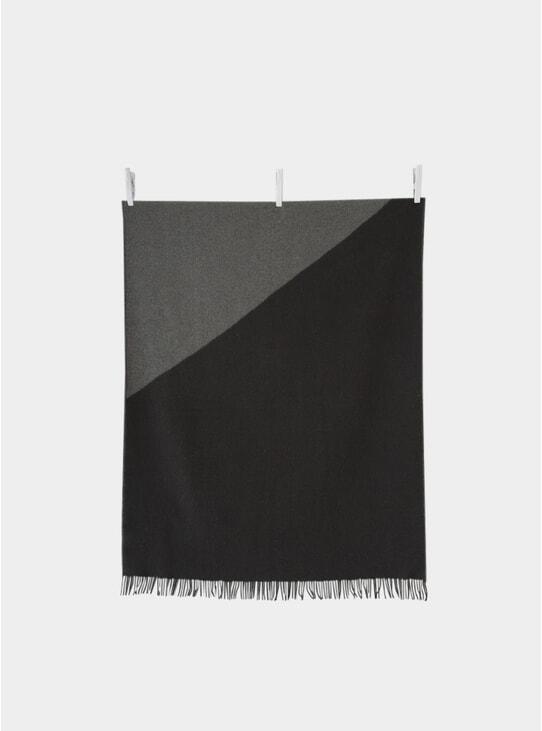 Triangle Dusk Blanket