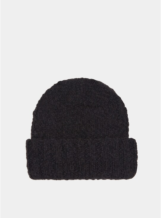 Black Alpaca Ake Hat