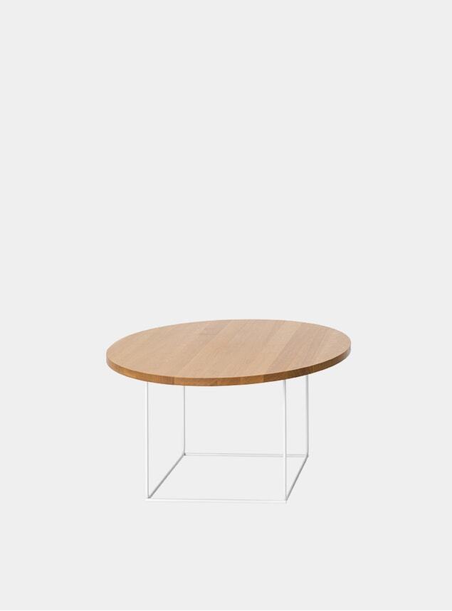 Natural Oak / Powdercoated DL3 Umbra Round Side Table