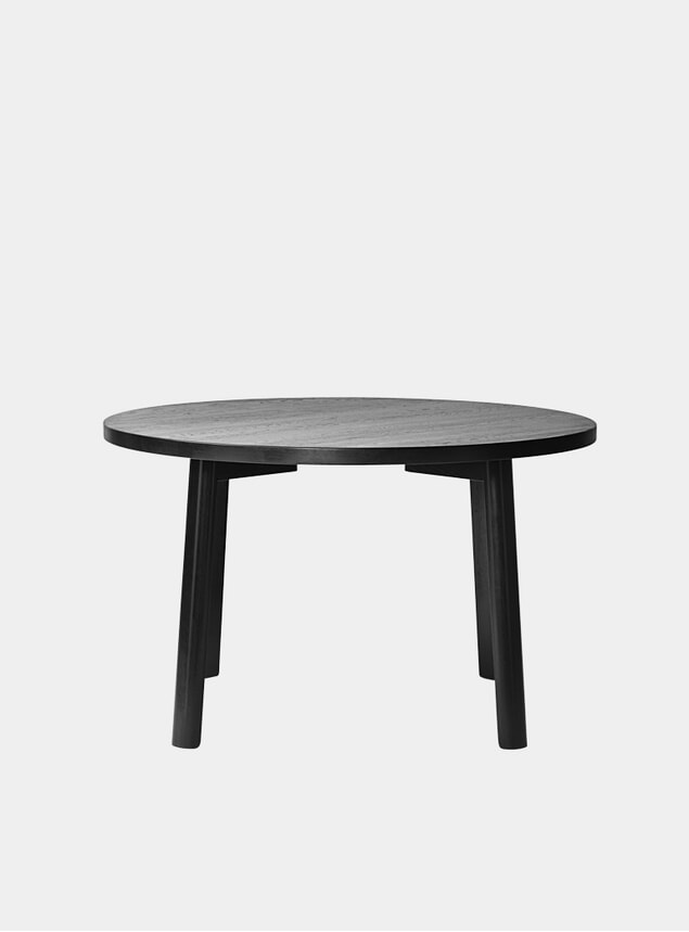 Black Oak Ease Dining Table