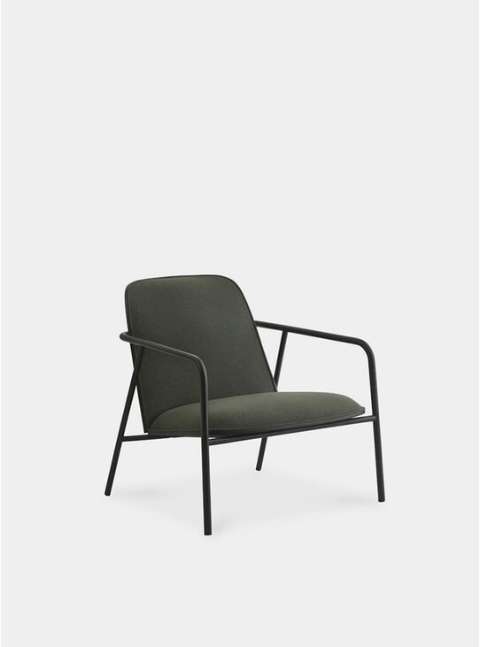 Black / Synergy Pad Low Lounge Chair