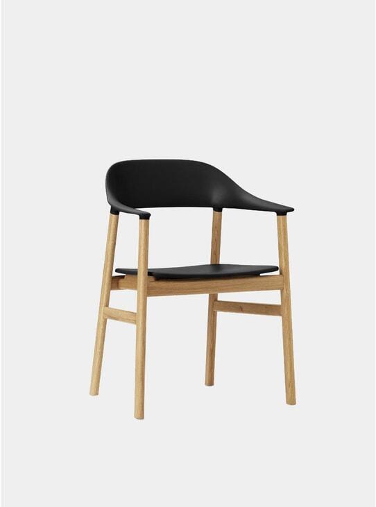 Black / Oak Herit Armchair