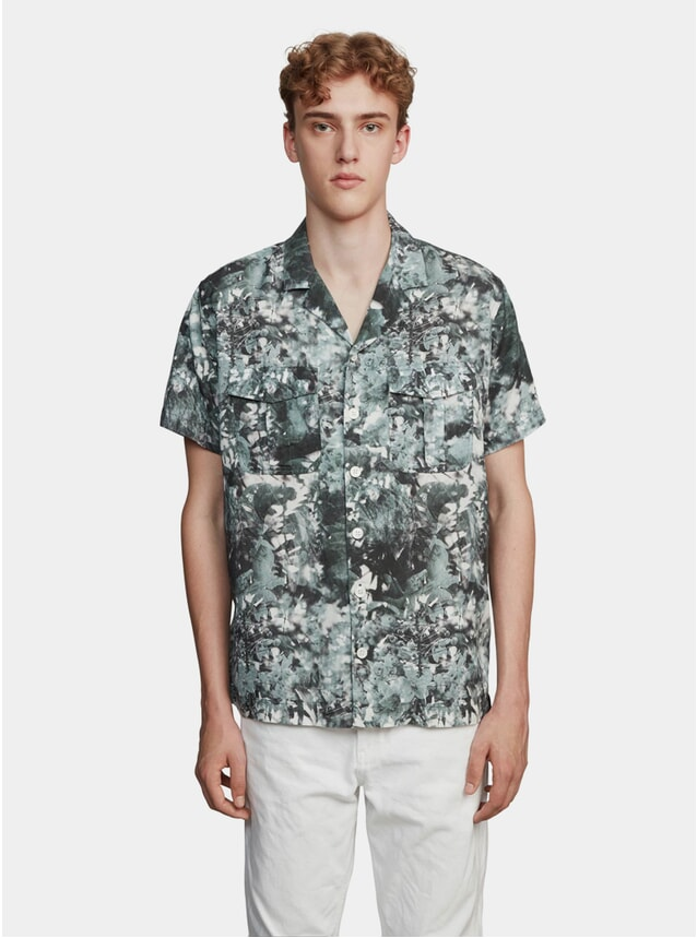 Green / White Forest Print Notch SS Shirt