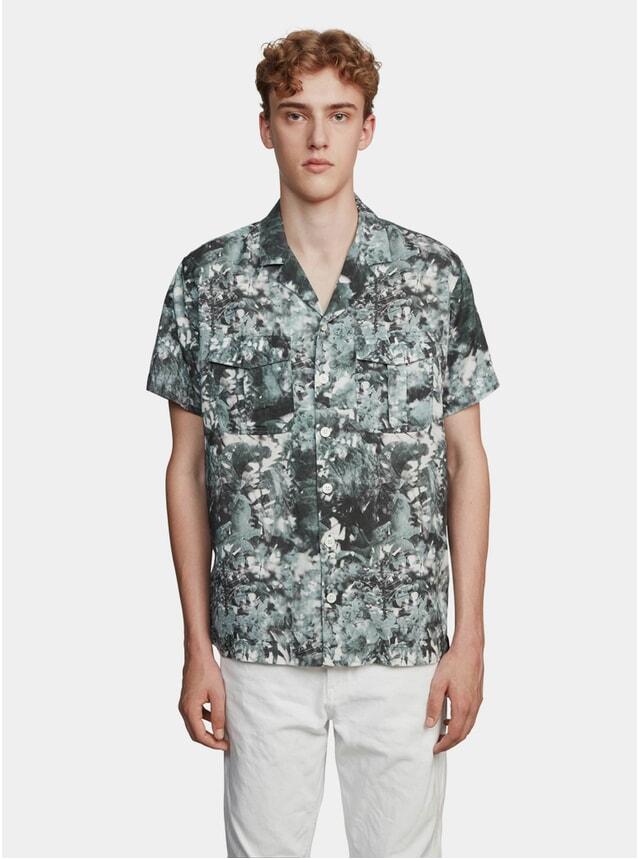 Green / White Forest Print Notch SS Shirt