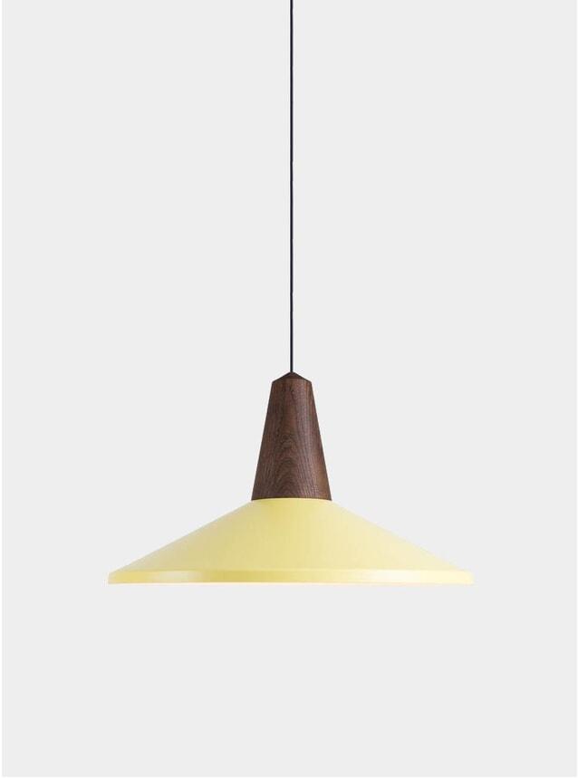 Light Yellow Eikon Shell Light