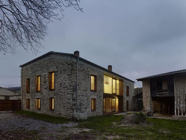 house-refurbishment-in-baralla-olaestudio_3