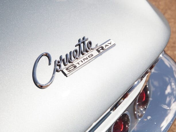 Chevrolet-Corvette-Stingray-04