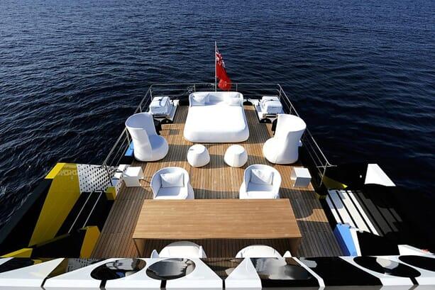 Jeff-Koons-Guilty-Yacht-7