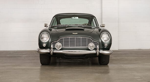 Aston-Martin-DB5-2