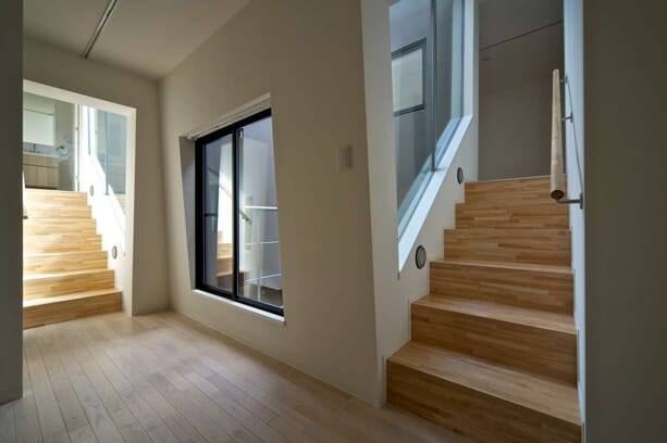 Nishihara-Nagaya-Apartments-by-Kawakubo-Tomoyasu-1