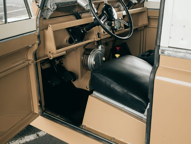 Land-Rover-Serie-II-7