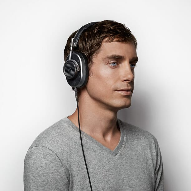 Master-&-Dynamic-M40-Over-Ear