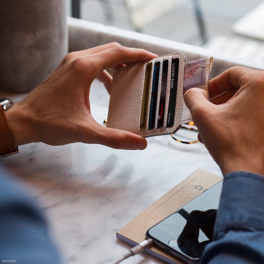 Opumo-Parabellum-White-Card-Holder