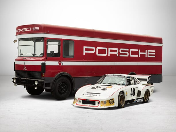 Porsche-930-Turbo-with-Transporter-6