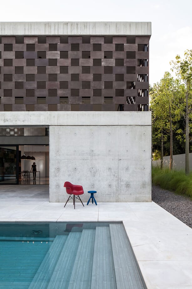 praise_of_shadows_pitsou_kedem_architects_5