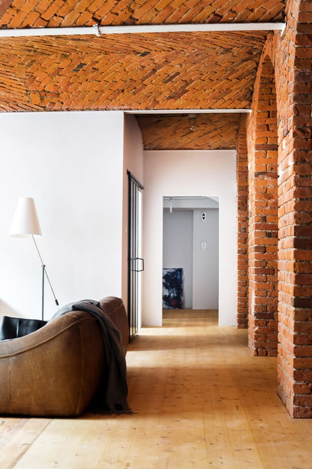 Loft-Apartment-in-Old-Marmalade-Factory-5