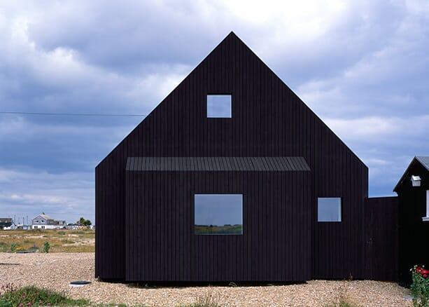 North-Vat-house_Rodic-Davidson-Architects_Dungeness-beach-Kent-England_dezeen_1568_0
