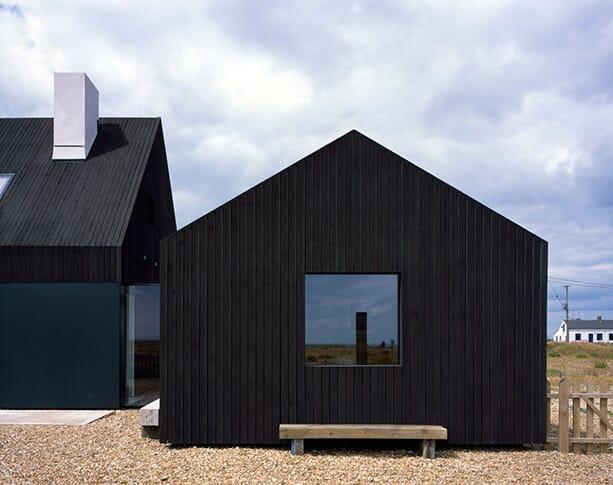 North-Vat-house_Rodic-Davidson-Architects_Dungeness-beach-Kent-England_dezeen_936_5