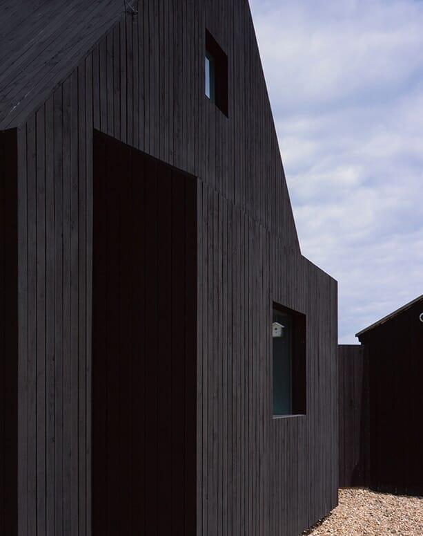North-Vat-house_Rodic-Davidson-Architects_Dungeness-beach-Kent-England_dezeen_936_8