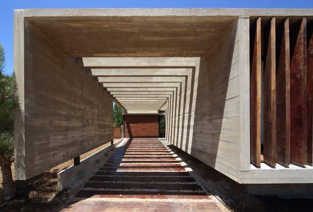 SS-House-Besonias-Almeida-Arquitectos-1