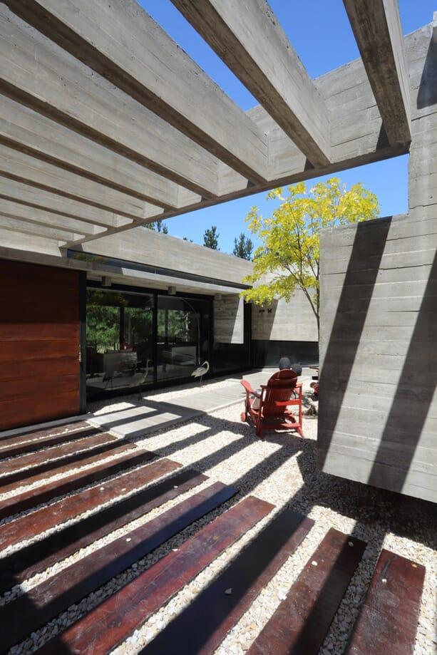 SS-House-Besonias-Almeida-Arquitectos-6