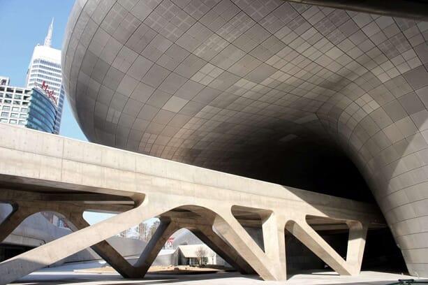 zaha-hadid-Dongdaemun-Design-Plaza