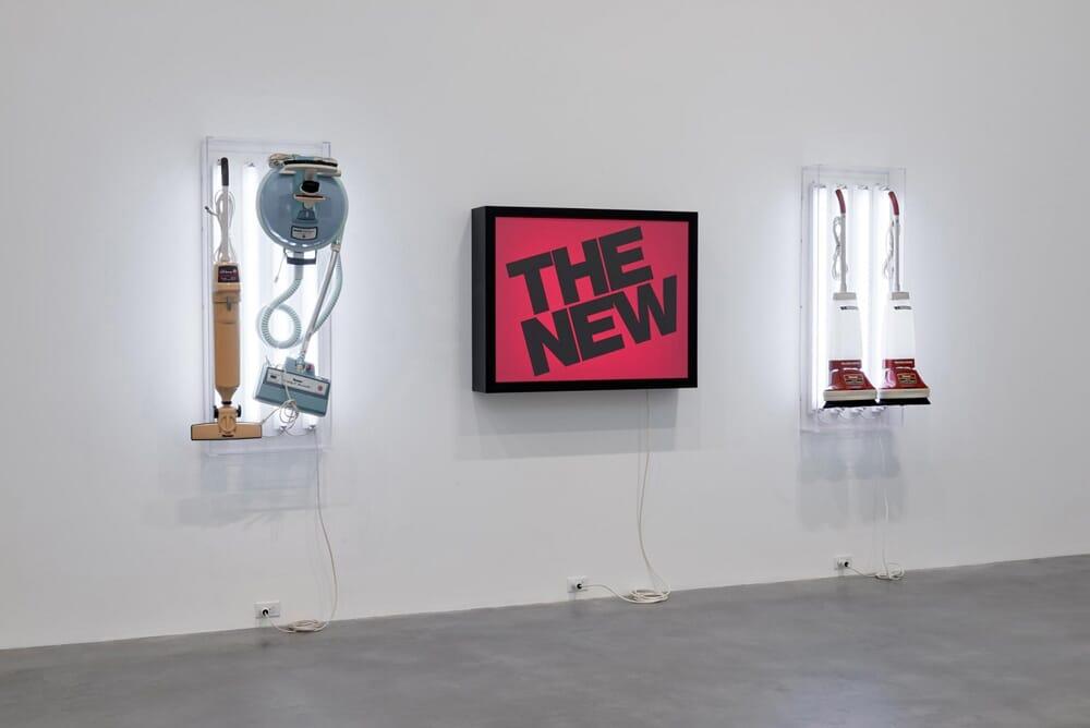 jeff-koons-now-damien-hirst-newport-street-gallery-02