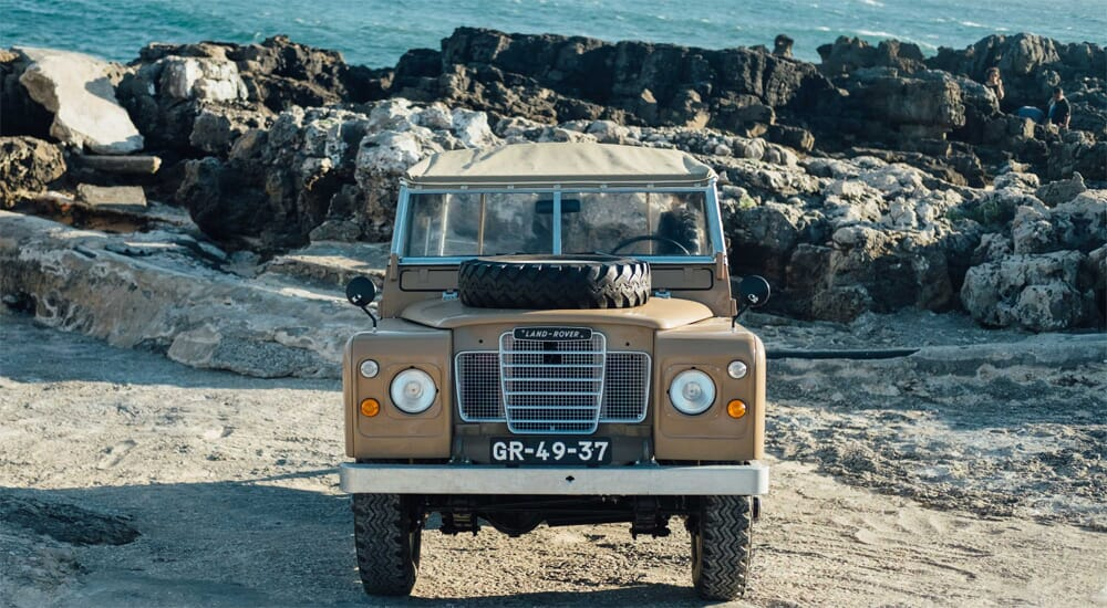 Coolnvintage Land Rover 109 SIII 1