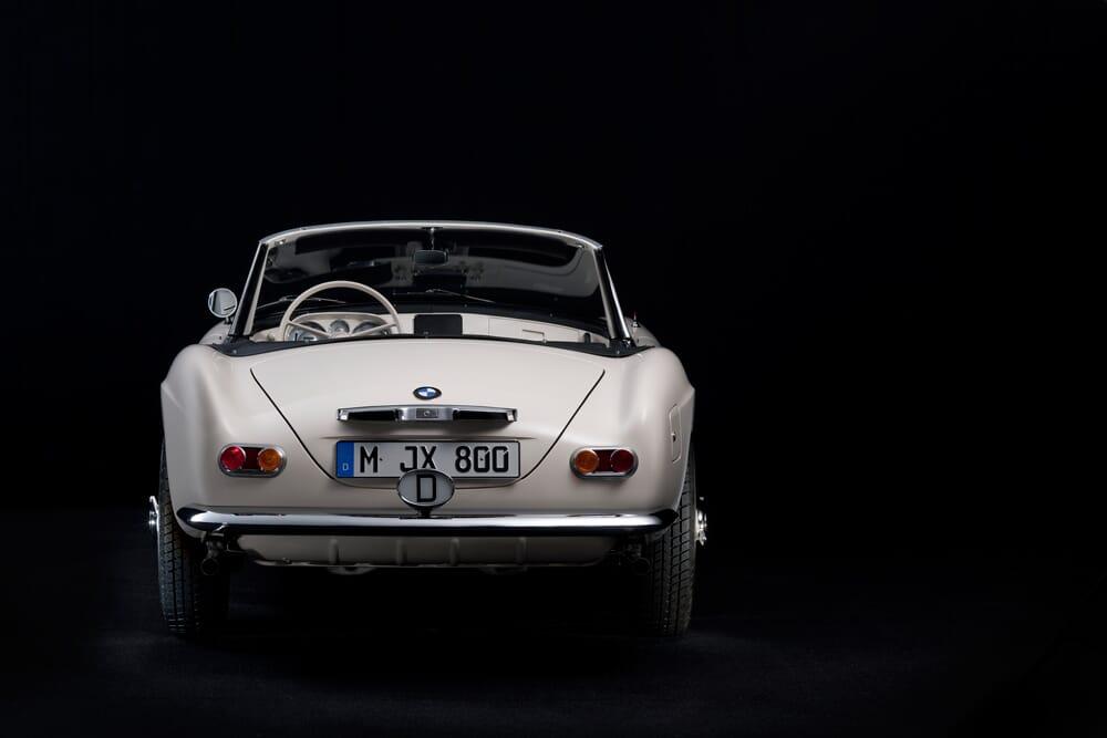Elvis-BMW-507-Roadster-5