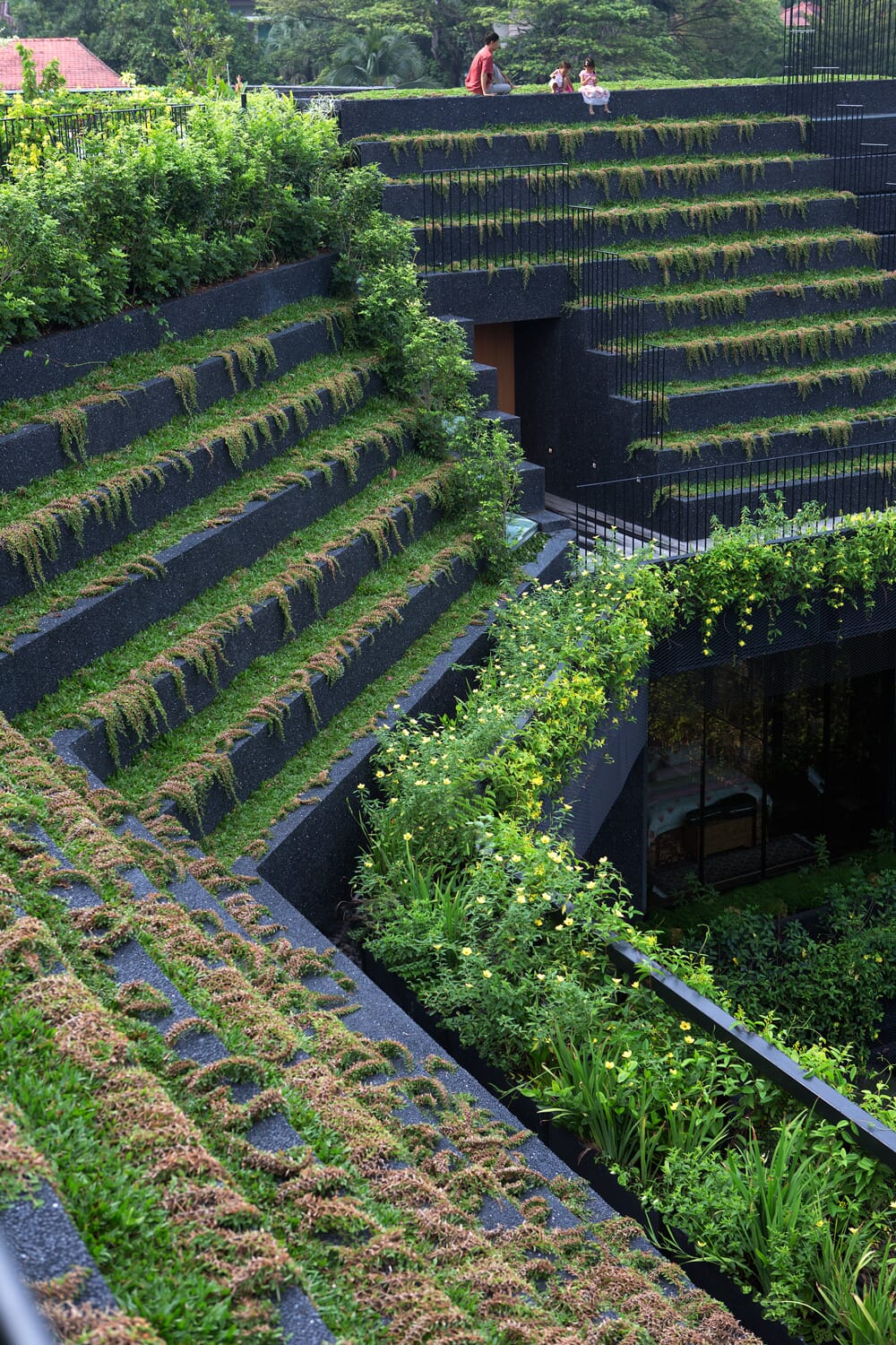 21.-View-of-the-terraced-roof-garden.