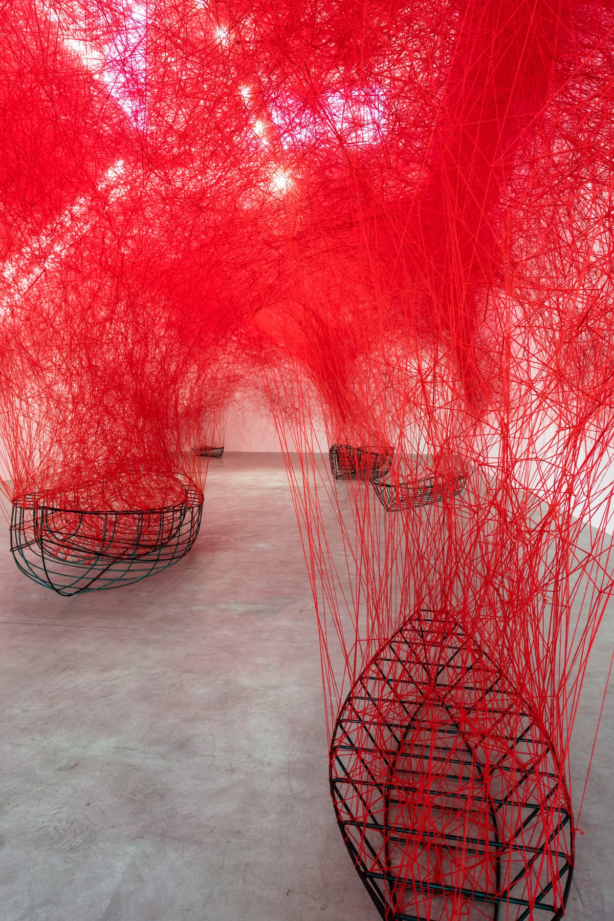 chiharu-shiota-uncertain-journey-2016-installation-view-courtesy-the-artist-and-blainsouthern-photo-christian-glaeser