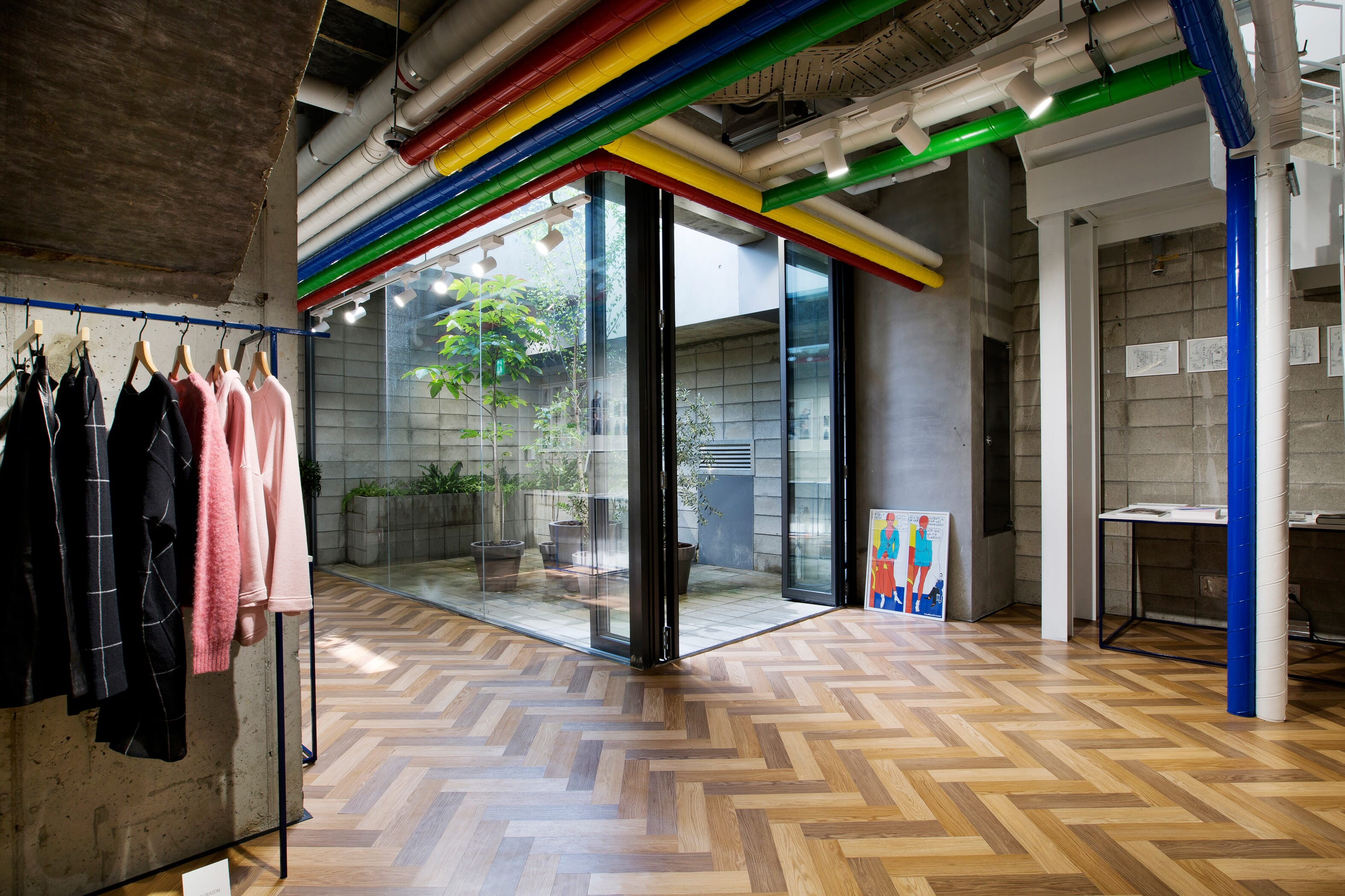 ymc-seoul_aw16-store_interior_b1f_3