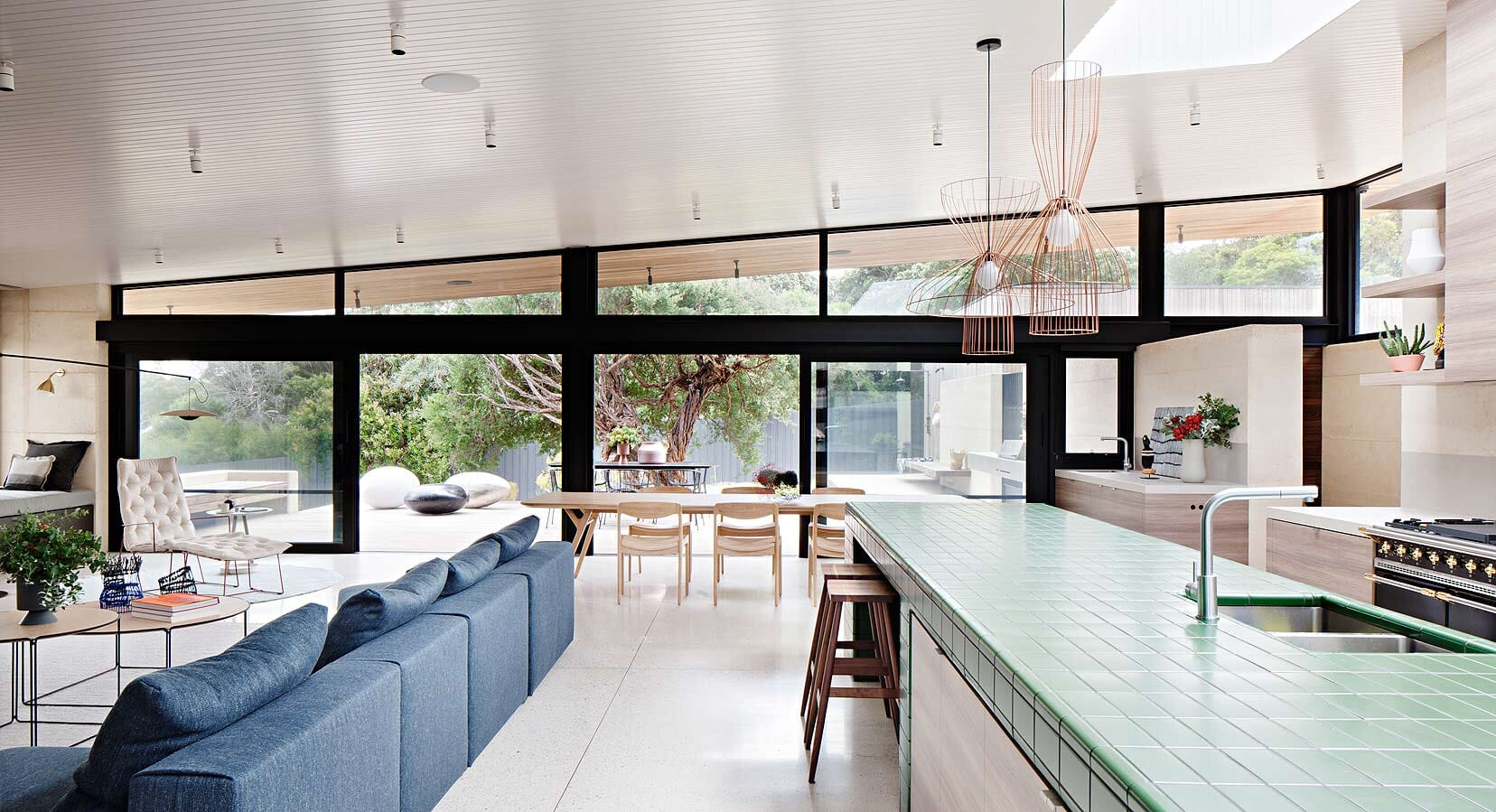 The Layer House by Robson Rak Architects