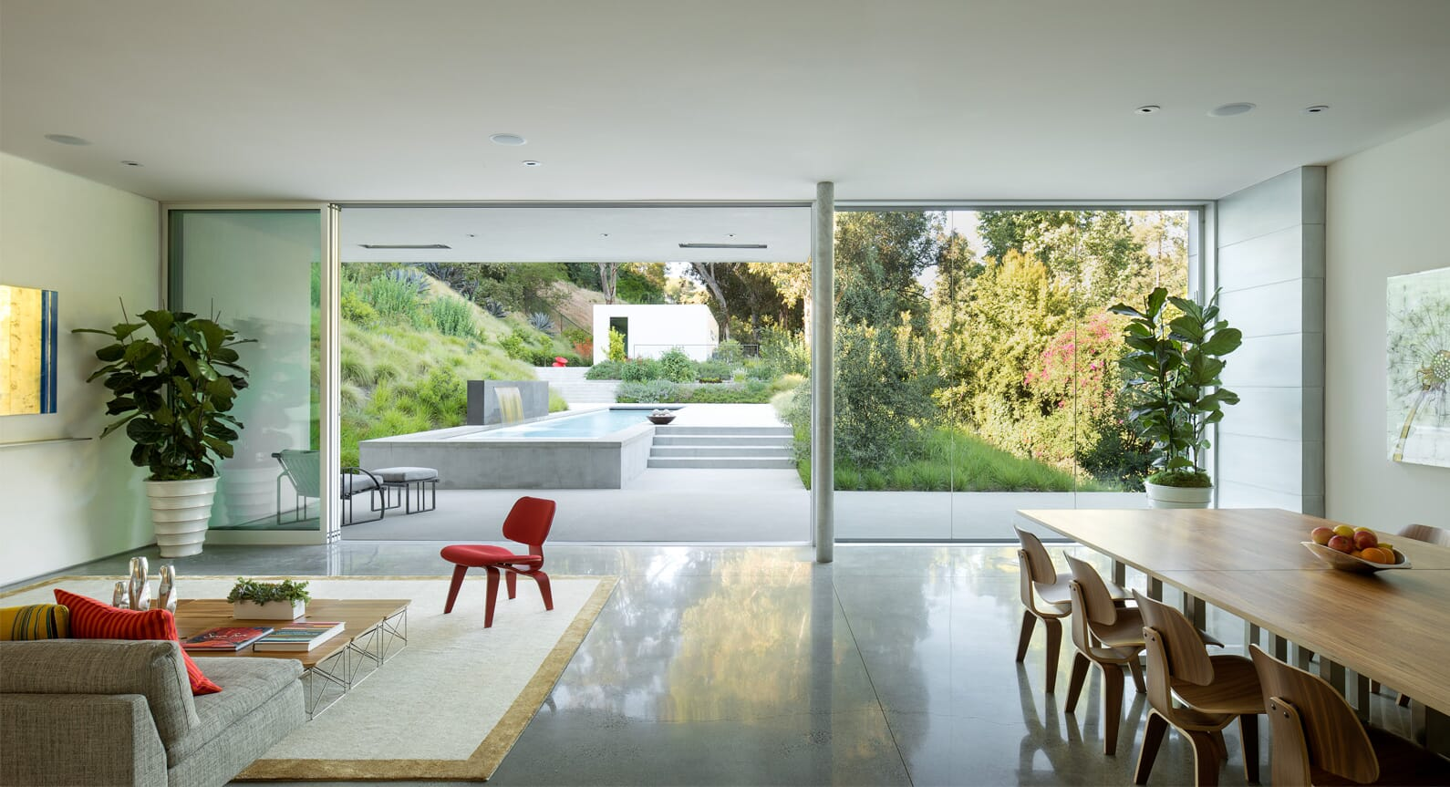 This Beverley Hills Residence by EYRC Is Minimalist Heaven