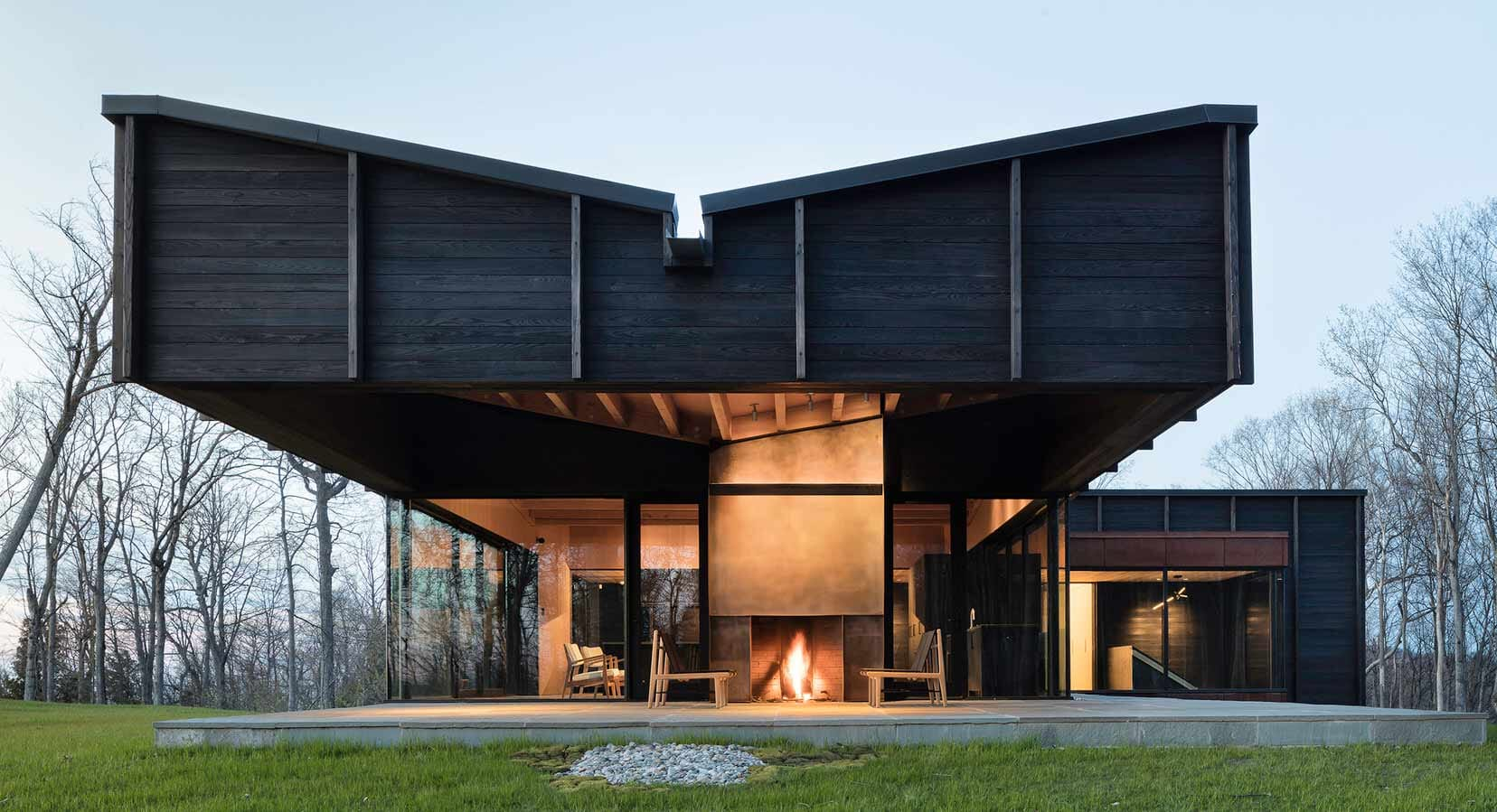 The Michigan Lake House Is A Modern Take On The Classic Log Cabin