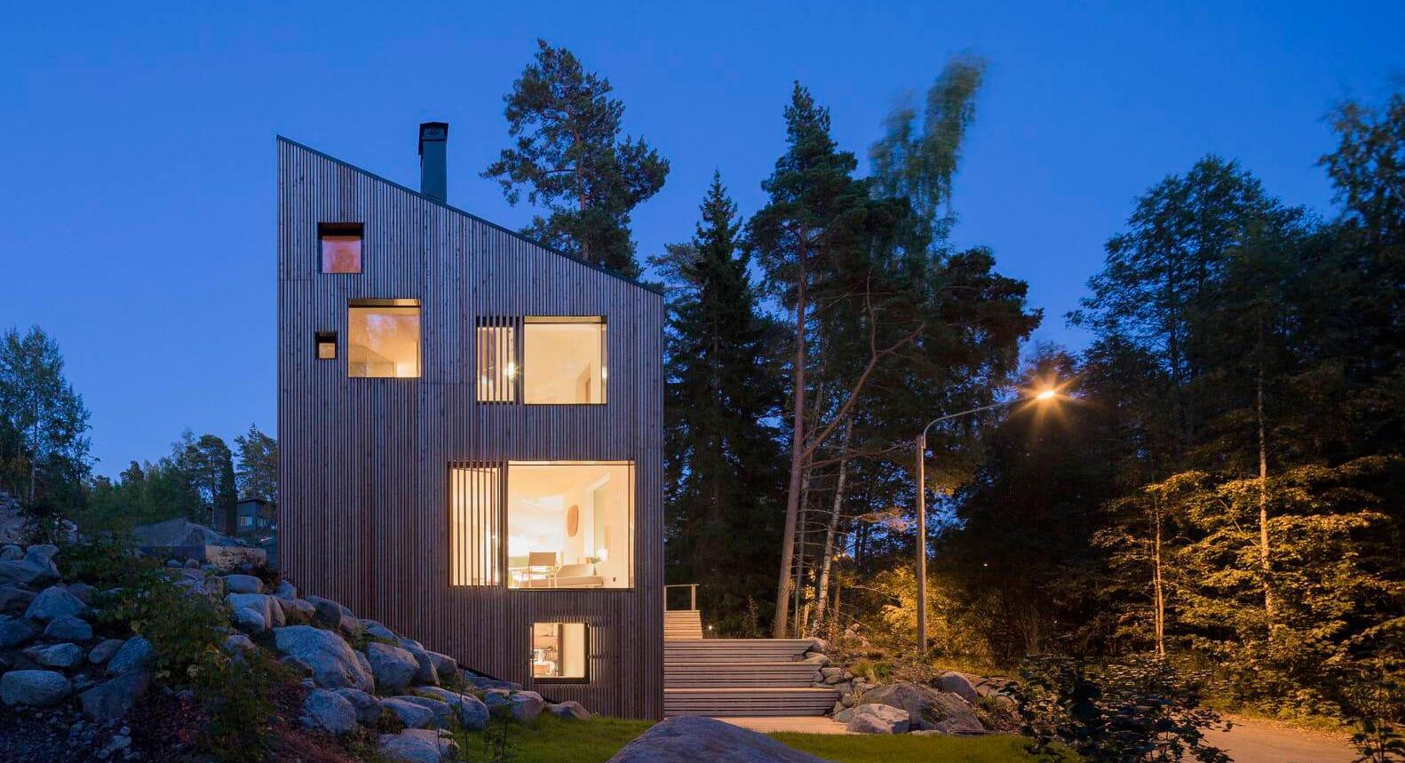MK5 House Features An Indoor Trapeze, Climbing Wall & Hammock