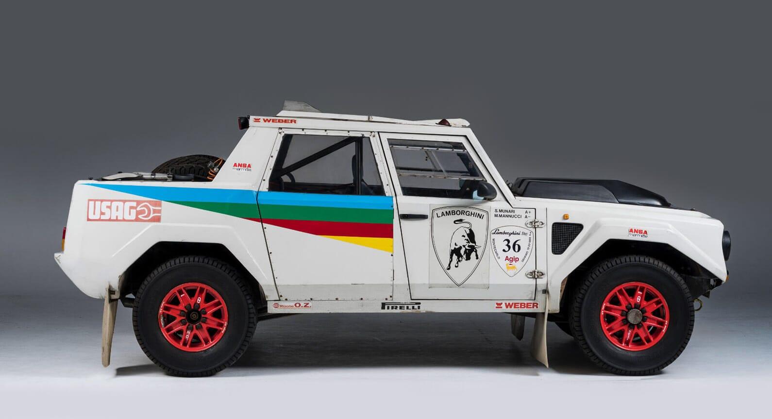 The Luxury SUV Racer – The Lamborghini LM002