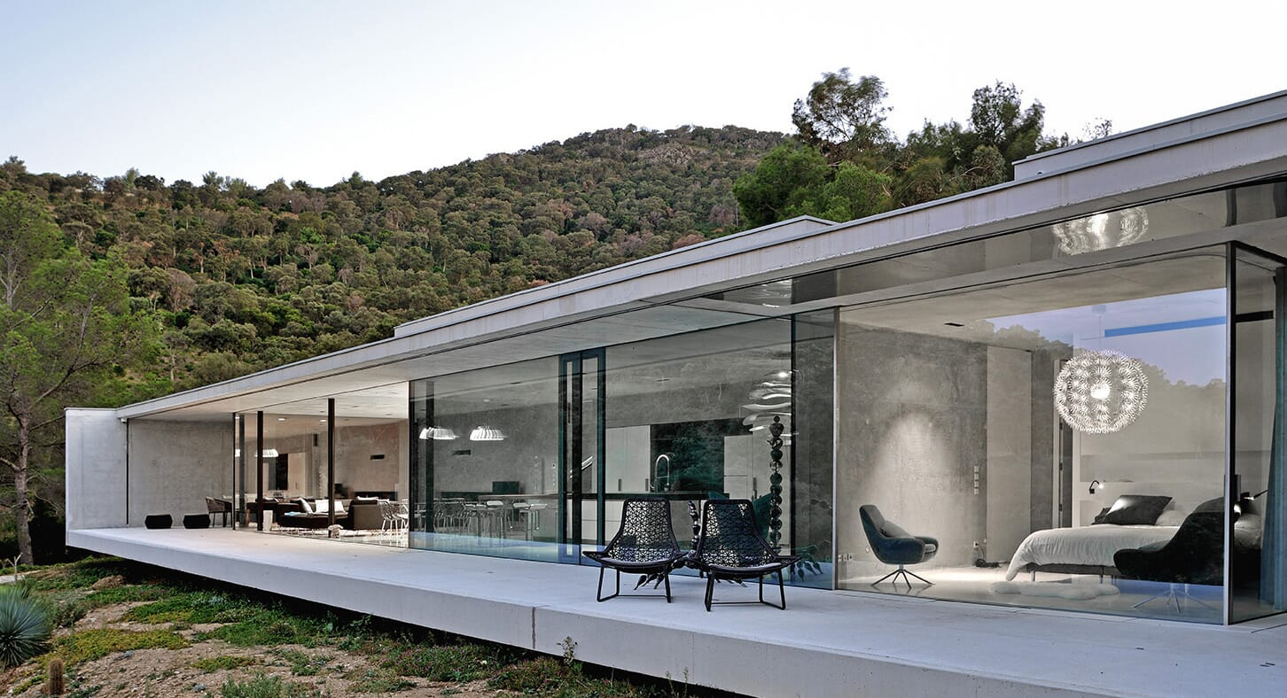 Minimalist Purity: La Mira Ra In The South Of France