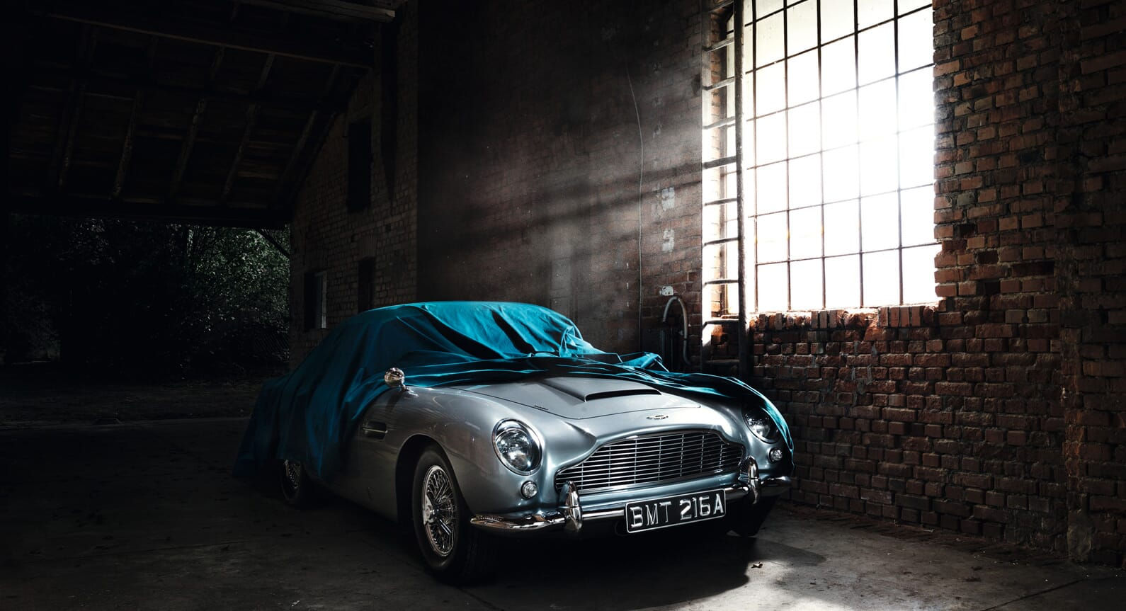WE! Shoot It Captures Incredible Classic Cars In Garages