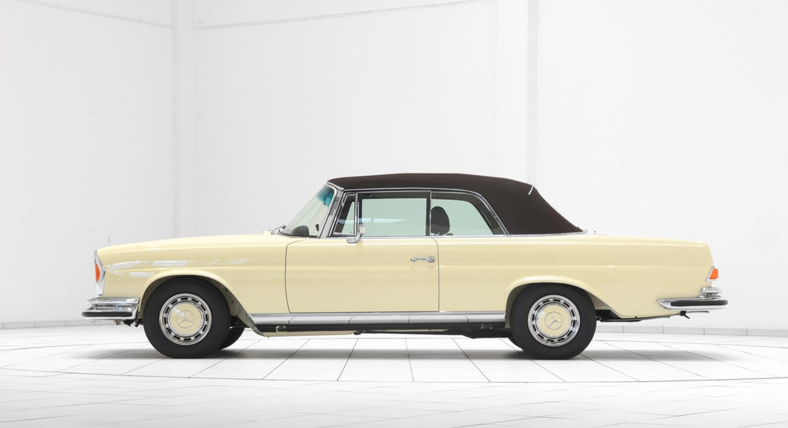 Why You Should Want This Brabus Re-Creation Of A 1969 Mercedes Benz 280SE