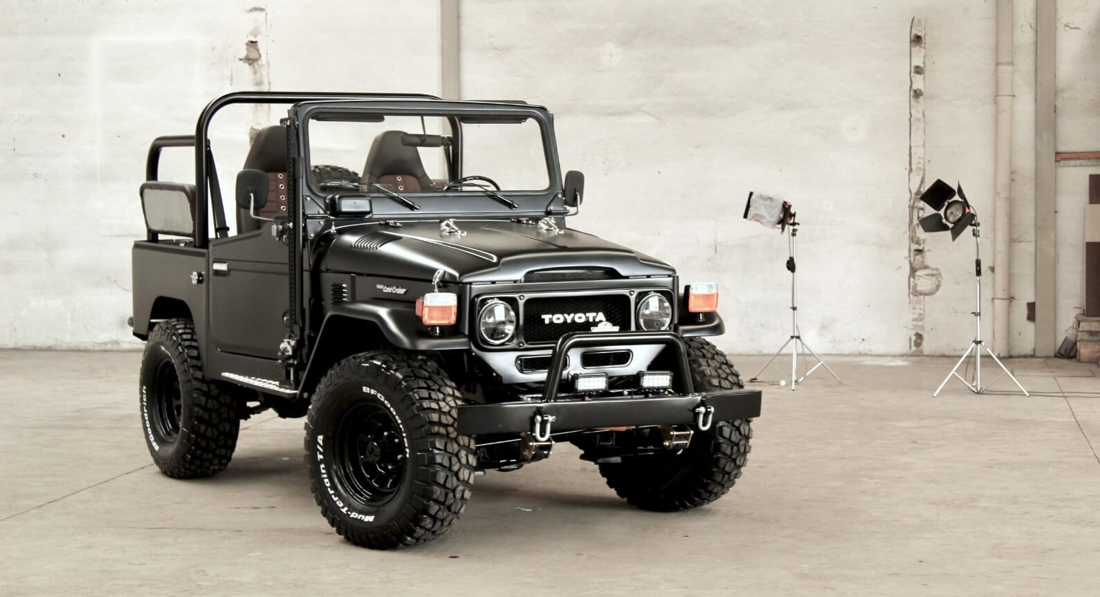 Why Legacy Overland's 1985 Toyota Land Cruiser Is The Ultimate Off-Roader