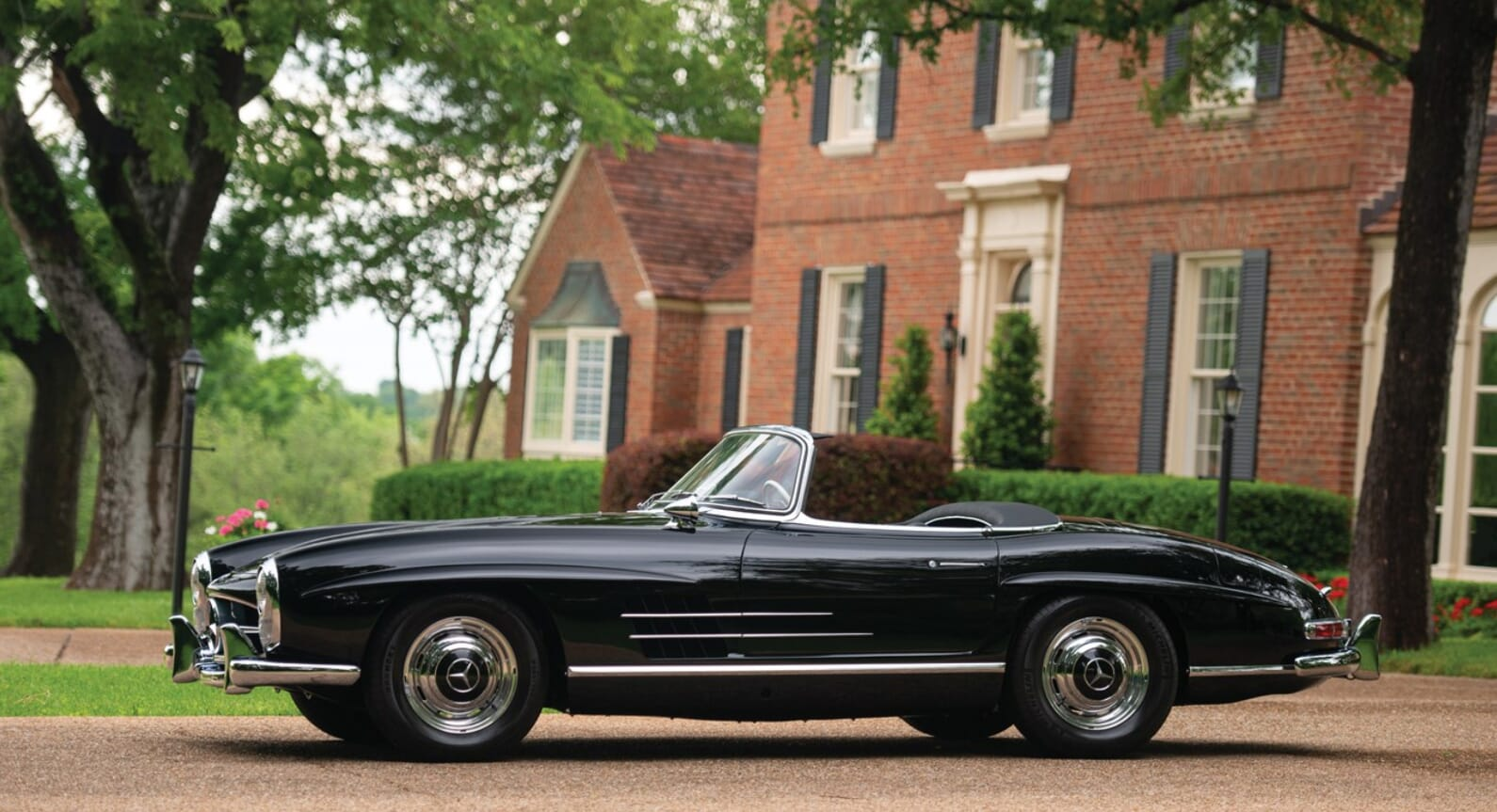 Why Every Collector Wants This 1963 Mercedes-Benz 300SL Roadster