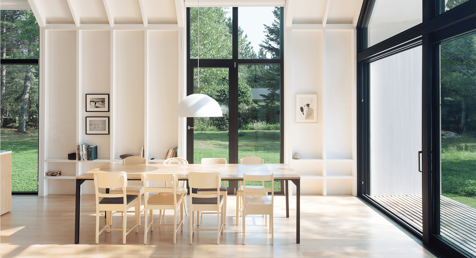 Explore YH2 Architects' Vision Of A Window On The Lake