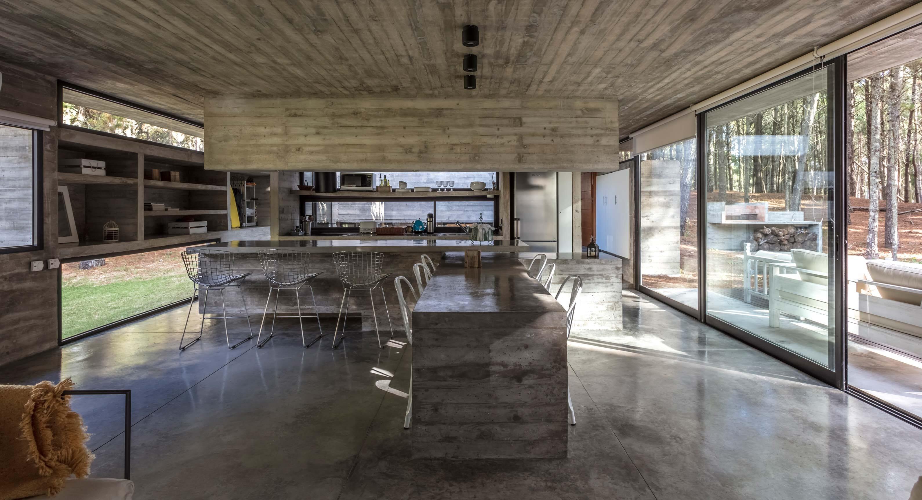 Besonías Almeida Arquitectos' Concrete Summer House