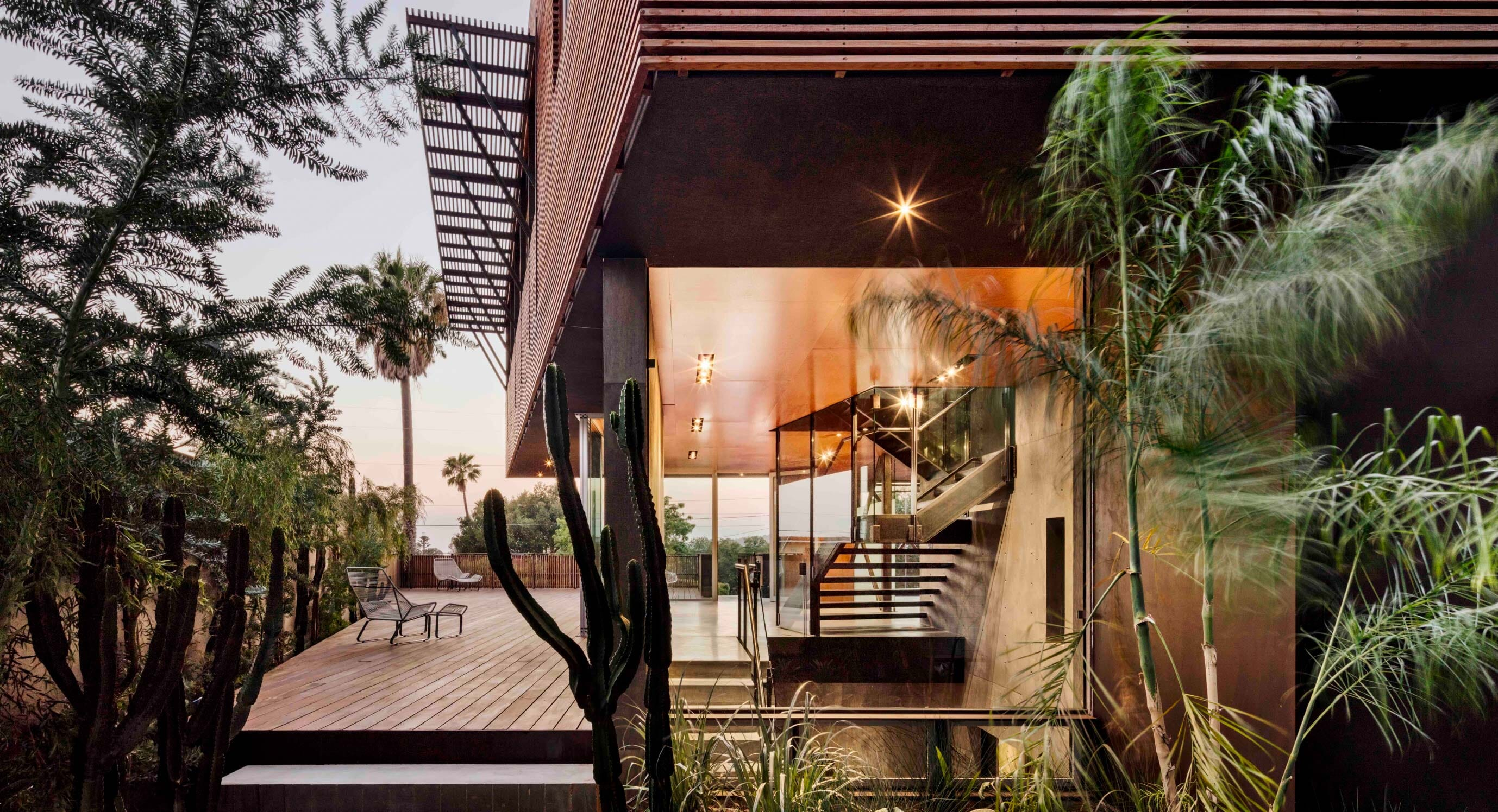 Shubin Donaldson's Skyline Residence Is A Modern Ocean Lookout