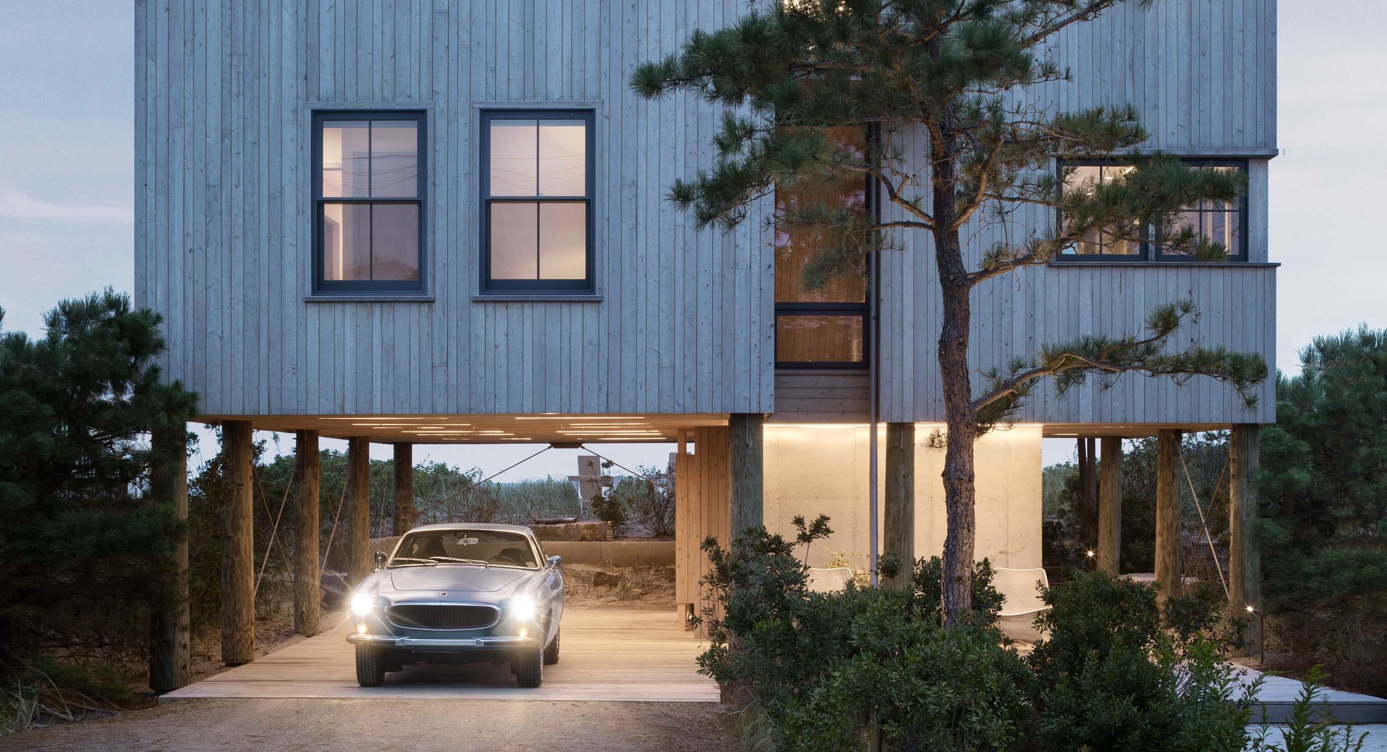 Caleb Johnson Studio Elevate This Coastal Home To New Heights